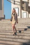 Mulher de negócios atrativa nova Fotos de Stock Royalty Free