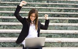 Mulher de negócios bem sucedida Fotografia de Stock Royalty Free