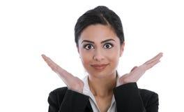 Mulher de negócios bonita indiana isolada feliz isolada Cheering fotografia de stock