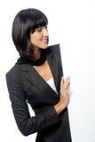 Mulher de negócios com cartão foto de stock