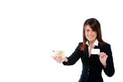 Mulher de negócios com cartão e dinheiro Fotografia de Stock