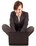 Mulher de negócios com computador Imagem de Stock Royalty Free