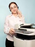 Mulher de negócios com copiadora Imagem de Stock