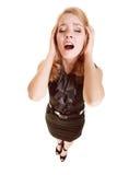 Mulher de negócios com dor da cabeça da dor de cabeça que grita Fotografia de Stock Royalty Free