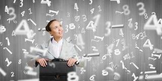 Mulher de negócios com mala de viagem Fotos de Stock