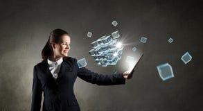 Mulher de negócios com PC da tabuleta Meios mistos Imagens de Stock Royalty Free