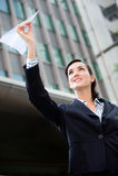 Mulher de negócios com plano de papel fotos de stock