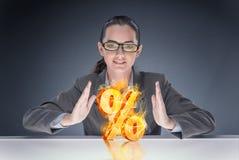 A mulher de negócios com por cento assina dentro o conceito alto do interesse Foto de Stock