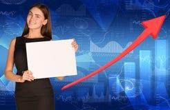 Mulher de negócios com seta e gráficos Fotos de Stock