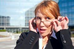 Mulher de negócios com vidros Fotos de Stock Royalty Free