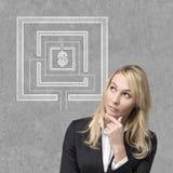 Mulher de negócios de pensamento Imagens de Stock