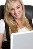 Mulher de negócios do computador fotografia de stock royalty free
