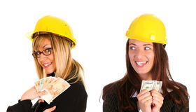 Mulher de negócios dois com com salário Fotos de Stock Royalty Free