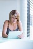Mulher de negócios/estudante universitário bonitos, novos Foto de Stock