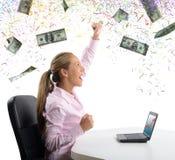 A mulher de negócios exulta para seu dinheiro Imagem de Stock Royalty Free