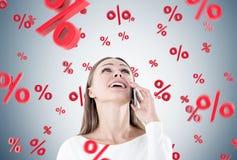 Mulher de negócios feliz no telefone, por cento Imagem de Stock Royalty Free