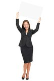 Mulher de negócios feliz que mostra o sinal Imagem de Stock