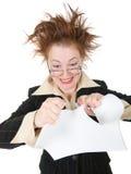 A mulher de negócios louca quebra o contrato. Fotos de Stock