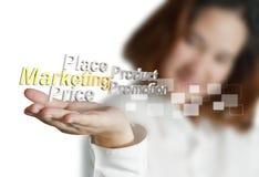 A mulher de negócios mostra a 3d marketing4p metálico Imagem de Stock Royalty Free