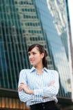 Mulher de negócios na cidade imagens de stock royalty free