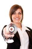 Mulher de negócios no Cd da terra arrendada do terno Fotografia de Stock
