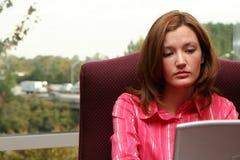 Mulher de negócios no computador foto de stock royalty free