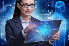 A mulher de negócios no conceito da inteligência artificial foto de stock royalty free