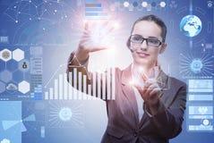 A mulher de negócios no conceito da mineração de dados fotos de stock royalty free
