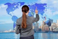 A mulher de negócios no conceito do negócio global Imagens de Stock