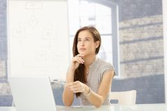 Mulher de negócios no trabalho imagem de stock