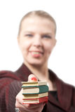 Mulher de negócios nova com livros Fotos de Stock Royalty Free