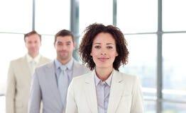 Mulher de negócios nova do African-American em uma linha Imagens de Stock Royalty Free