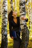 Mulher de negócios nova na natureza. Foto de Stock