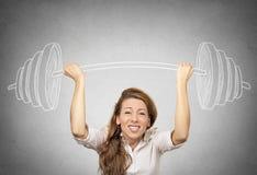 A mulher de negócios que guarda a mão esboçou o barbell, peso pesado imagens de stock royalty free