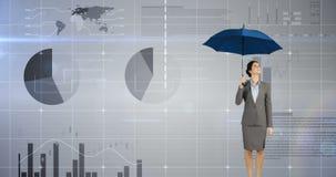 Mulher de negócios que guarda um guarda-chuva sobre sua cabeça 4k ilustração stock