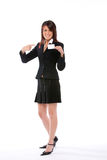 Mulher de negócios que shoving um cartão que aponta o Imagens de Stock Royalty Free
