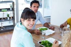 Mulher de negócios que tem o almoço Fotos de Stock