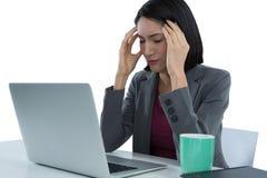 Mulher de negócios Suffering From Headache fotos de stock
