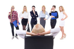 Mulher de negócio que escolhe os trabalhadores novos isolados no branco Fotos de Stock