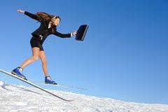Mulher de negócios no esqui Fotografia de Stock
