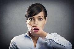 Mulher de negócios nova surpreendida em choque Imagens de Stock Royalty Free