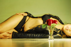 Mulher de Rosa Foto de Stock Royalty Free