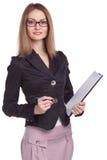 Mulher de sorriso com a prancheta isolada Fotos de Stock Royalty Free