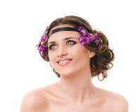 Mulher de sorriso com trança do cabelo fotos de stock royalty free
