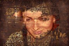 Mulher de sorriso com vidro de vinho, texto na foto Imagens de Stock Royalty Free