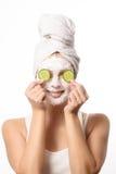 Mulher de sorriso em uma máscara protetora Imagem de Stock Royalty Free