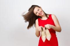 Mulher de sorriso nova elegante caucasiano do encanto atrativo no vestido vermelho isolado no fundo branco Copie a propaganda do  fotografia de stock royalty free