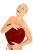 Mulher despida com descanso heart-shaped fotos de stock