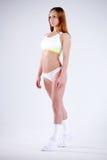 Mulher desportiva magro da aptidão no estúdio Fotografia de Stock