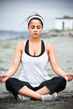 Mulher do asian da ioga Fotos de Stock Royalty Free